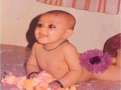 neha kakkar childhood photos